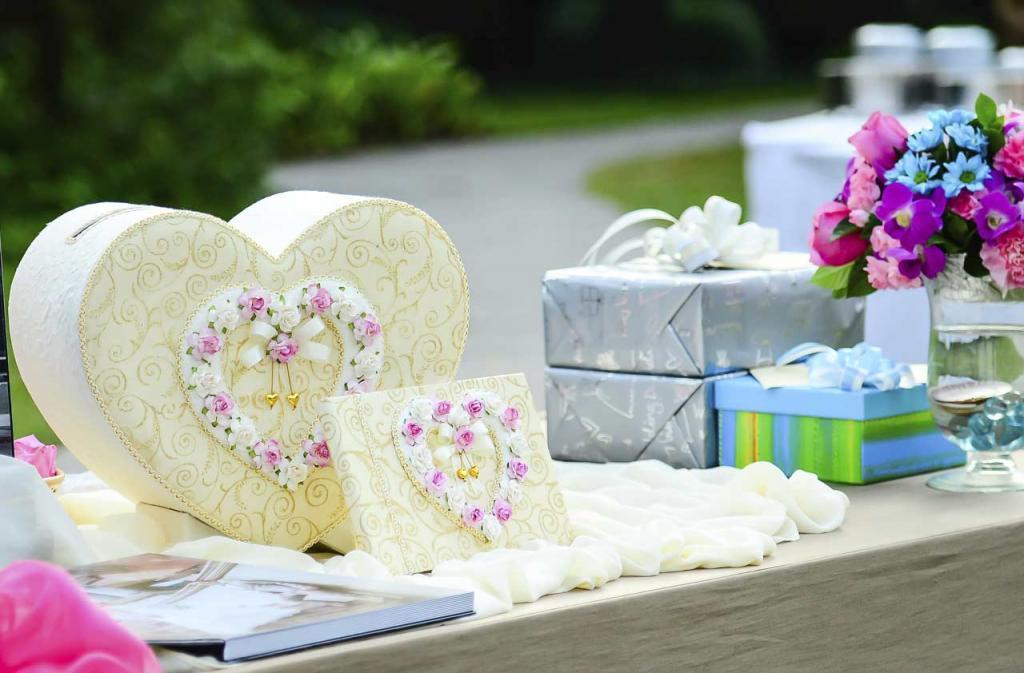 «Больше денег!»: после свадьбы невеста потребовала от гостей оплатить все расходы на торжество
