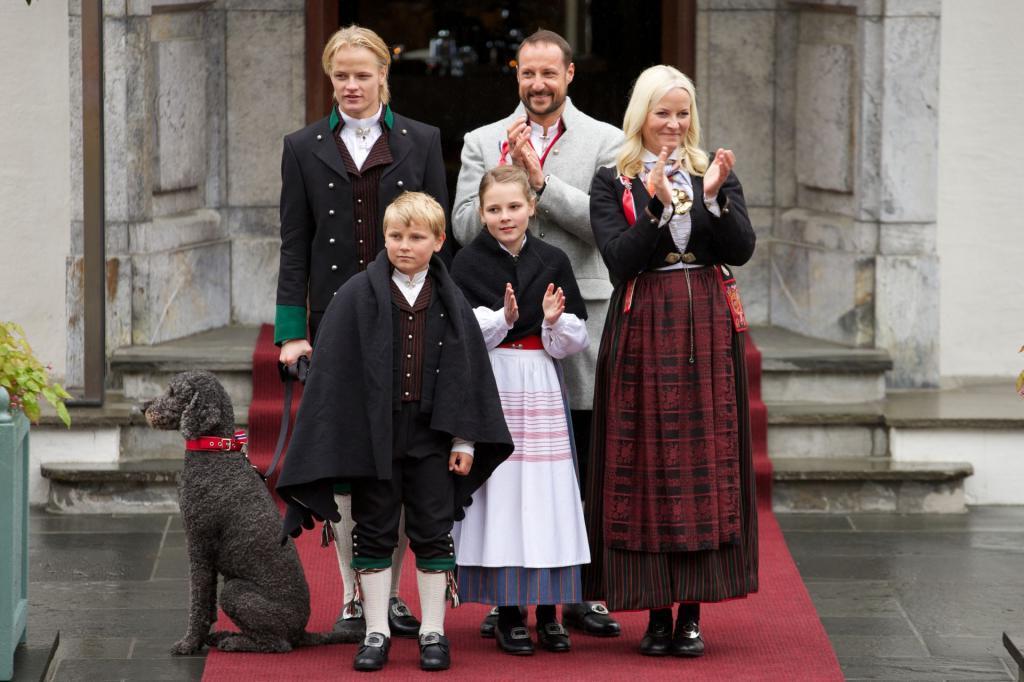 Все могут короли: удивительная история любви норвежского принца Хокона и девушки из народа