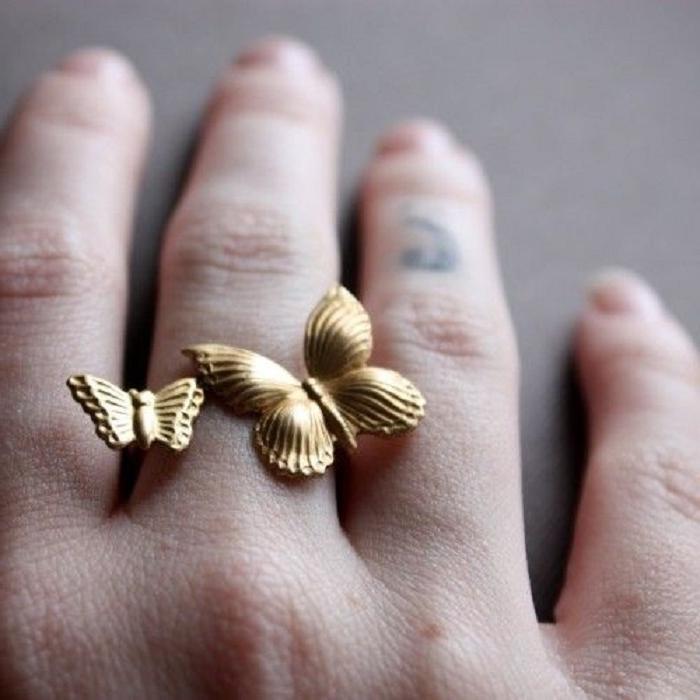 Элегантно и красиво: как правильно подобрать кольцо по форме кисти и пальцев
