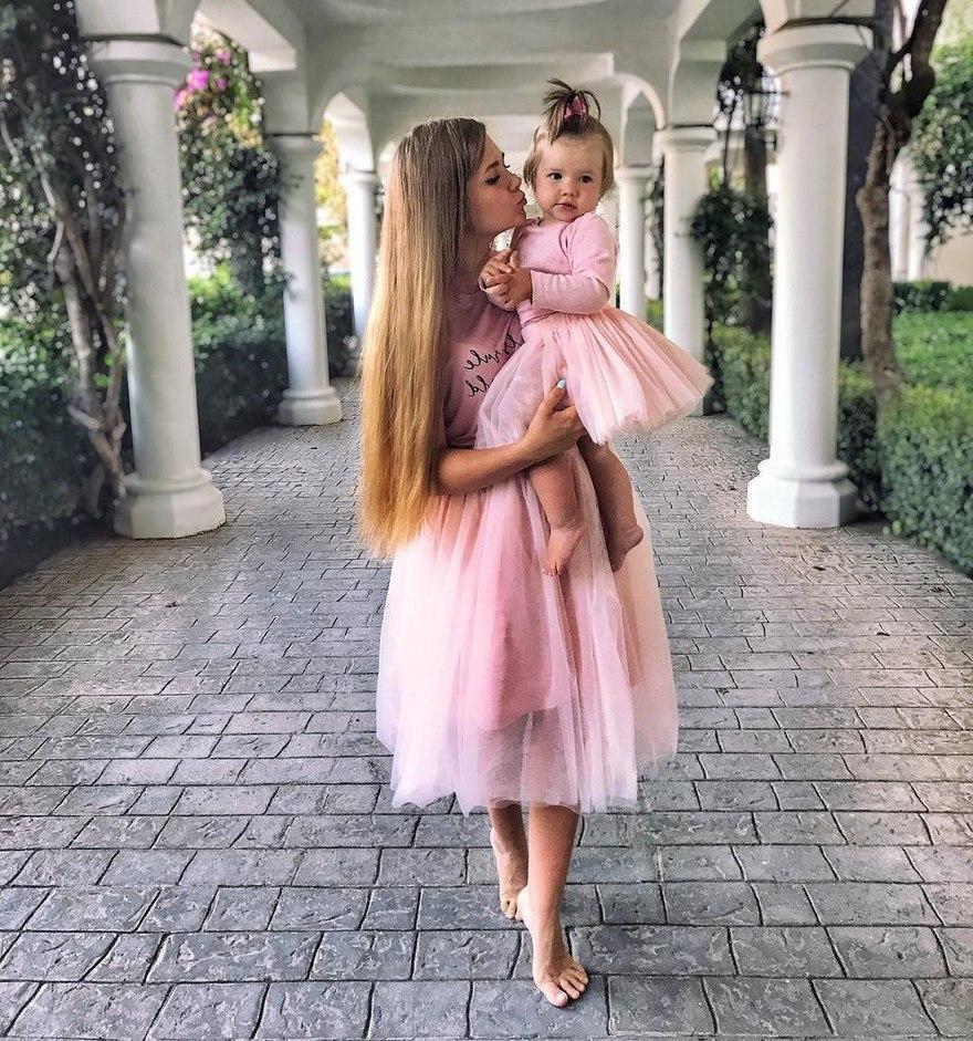 Культ красоты, который ведет к трагедии: как матери не испортить будущее дочери