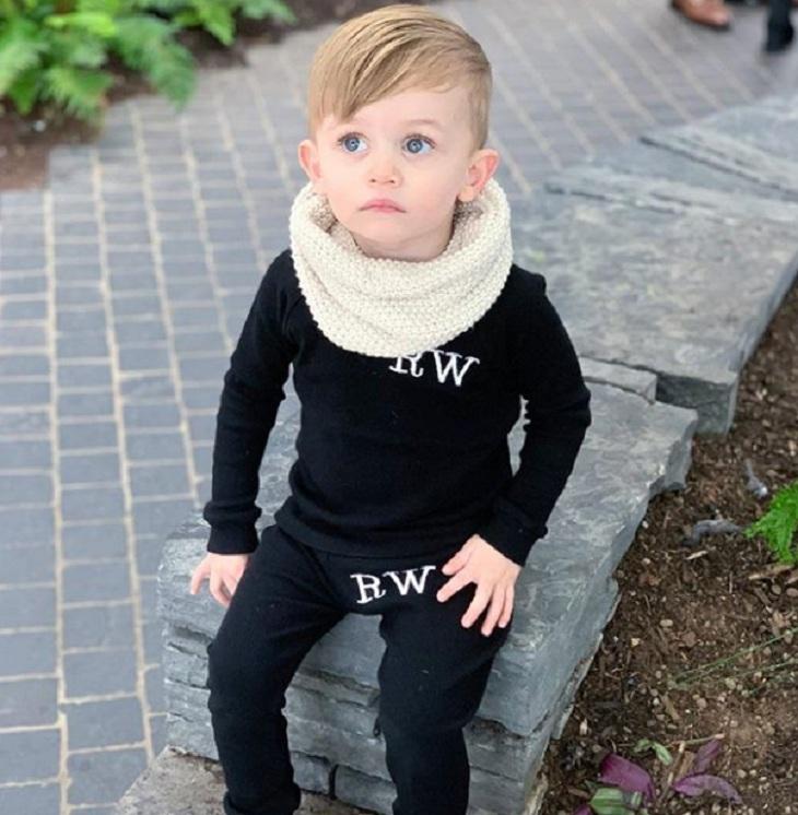 2-летняя звезда Instagram заработал и получил контракт с Porsche. Мать называет его не сыном, а