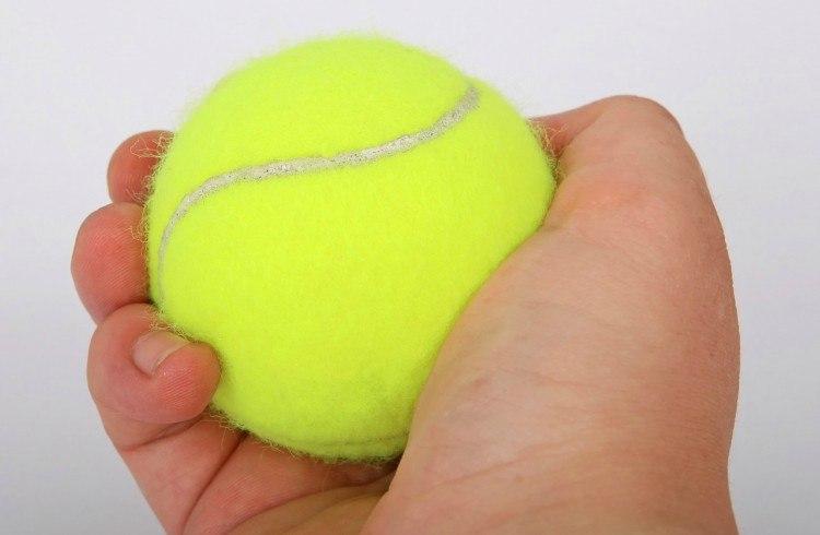Вот почему в самолёт всегда надо брать теннисный мяч