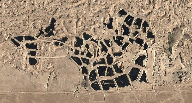 Это кладбище автомобильных шин такое большое, что его видно из космоса