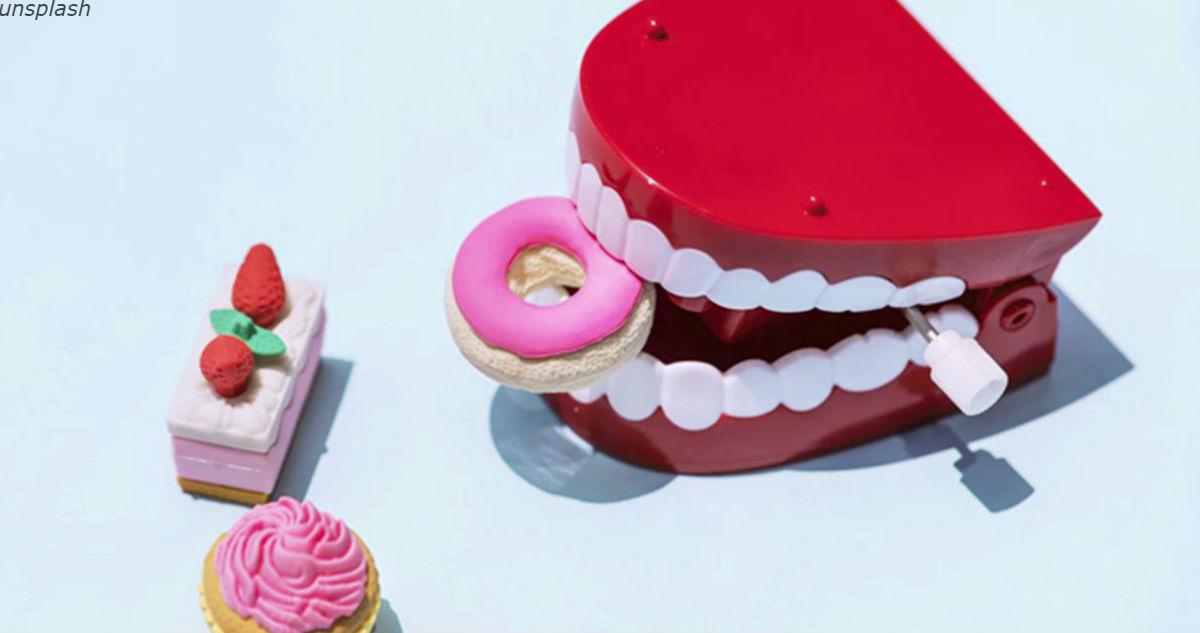 10 реальных способов расправиться с зубным камнем без помощи стоматолога