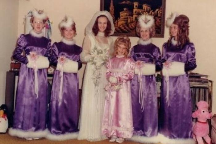 И смех, и грех. Самые нелепые свадебные винтажные наряды невесты и ее подружек: фото