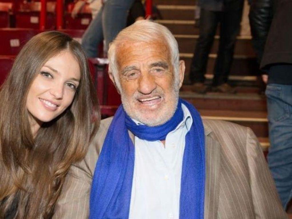 На фестивале в Каннах появилась внучка Жан-Поля Бельмондо, 31-летняя Аннабель. Как она выглядит
