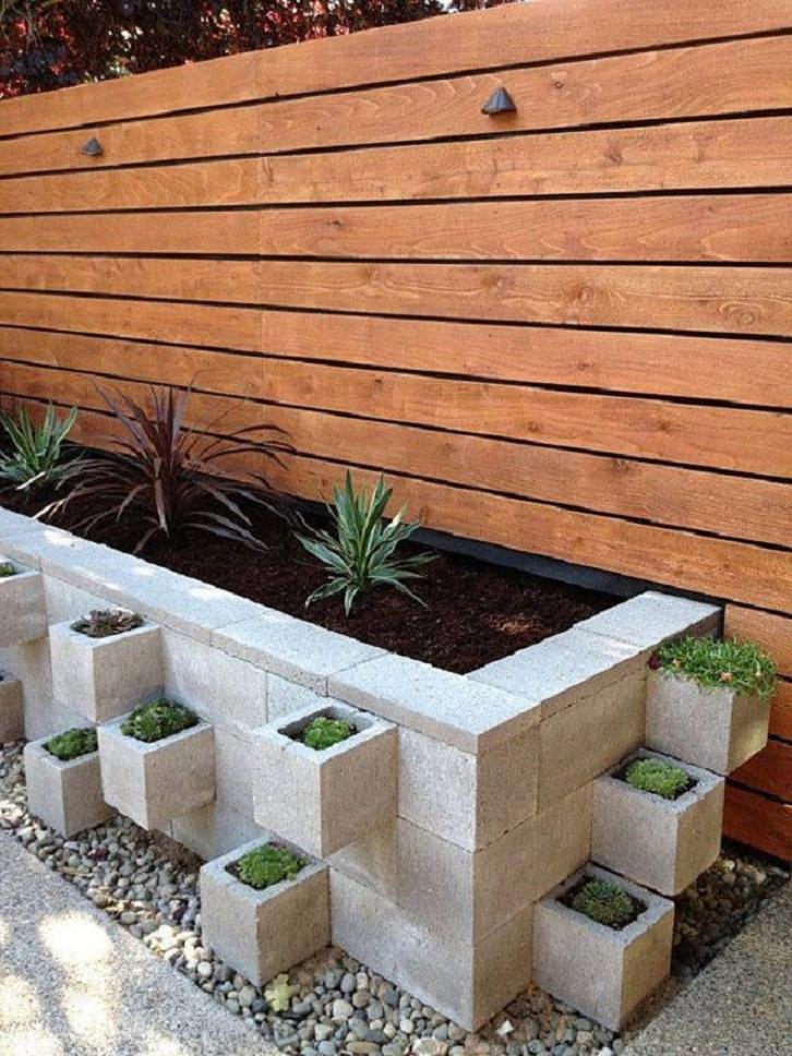 Как сделать свой двор уютным? 9 идей для использования шлакоблока на дачном участке