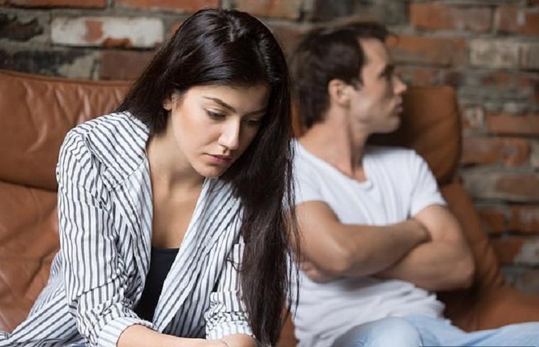 Девушке надоело сидеть в декрете без денег и она придумала способ взять их у мужа