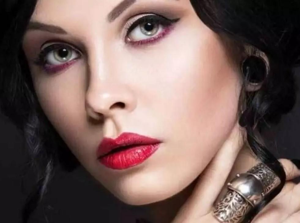 Несколько трюков с ватными палочками, которые помогут при нанесении макияжа