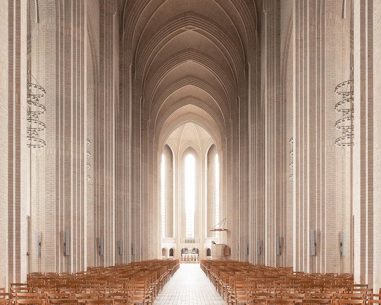 Фотограф запечатлел завораживающую красоту современных церквей со всего мира
