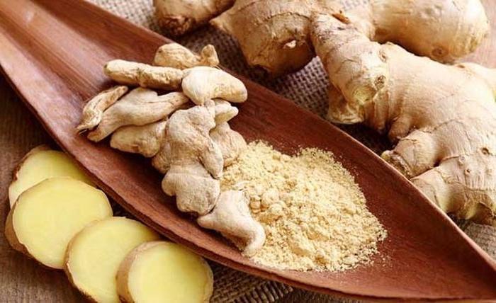 7 продуктов, помогающих бороться с неприятным запахом изо рта