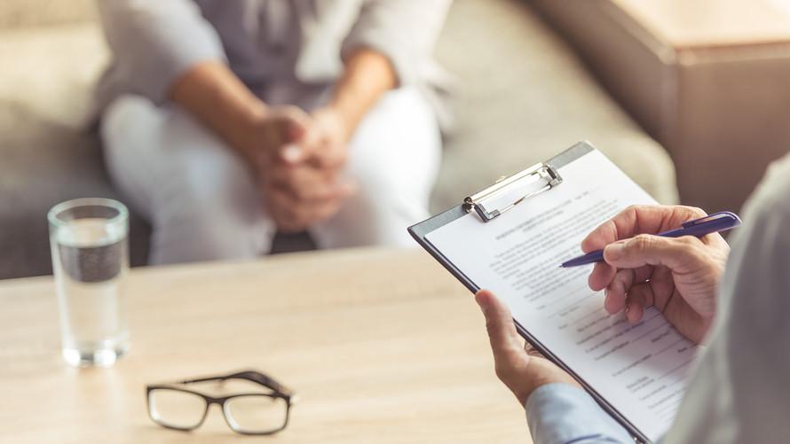 10 неочевидных признаков, что человеку нужно срочно записаться к психотерапевту