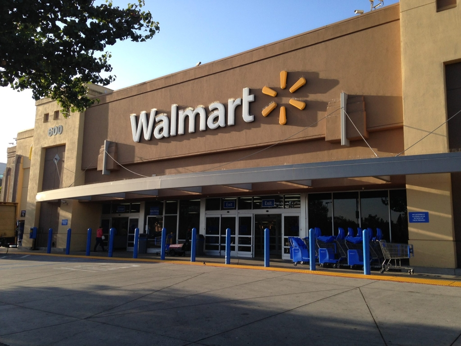 Мать проучила 13-летнего сына, который высмеивал людей, покупающих вещи в бюджетных магазинах