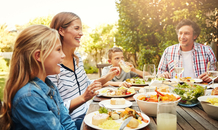 Семейный ужин картинки