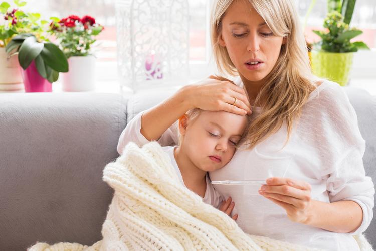 Никогда не делайте этих вещей, если у вашего ребенка жар