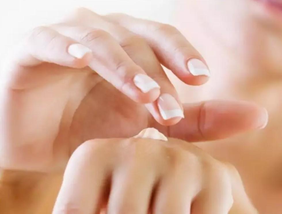 Лосьон с каламином и оксидом цинка становится все популярнее при уходе за проблемной кожей