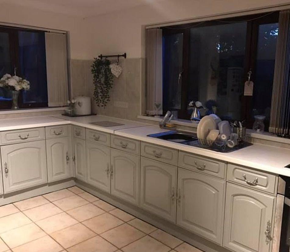 Женщина бюджетно облагородила свою кухню, и теперь ей завидуют соседки