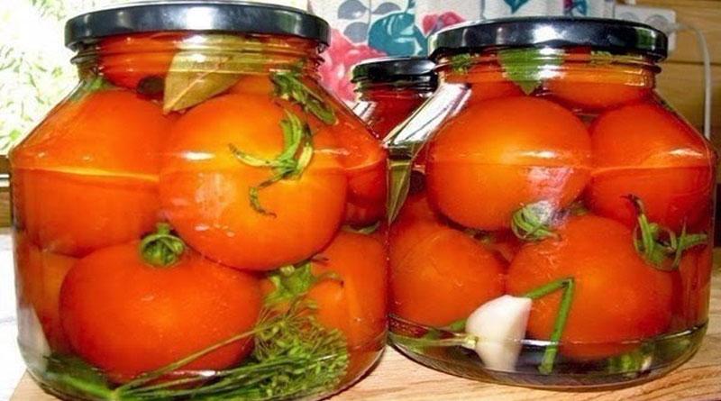 Маринованные помидоры. Съедаются вместе с маринадом