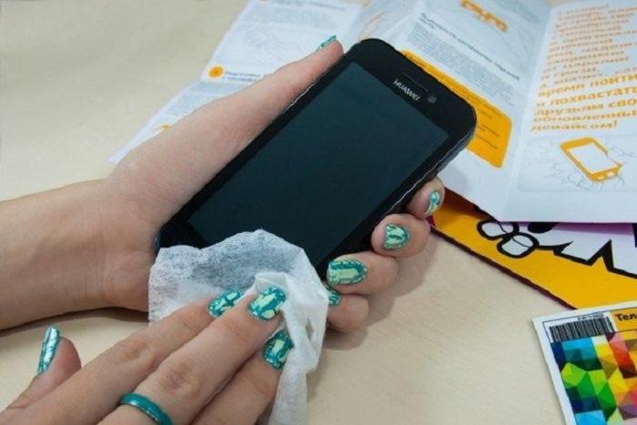 Как правильно чистить любую модель iPhone, не повреждая устройство