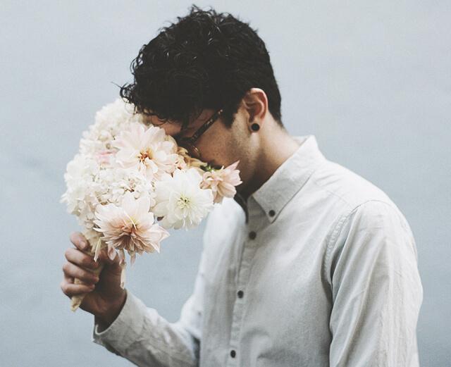 Какие цветы подарить девушке: 7 красивых решений