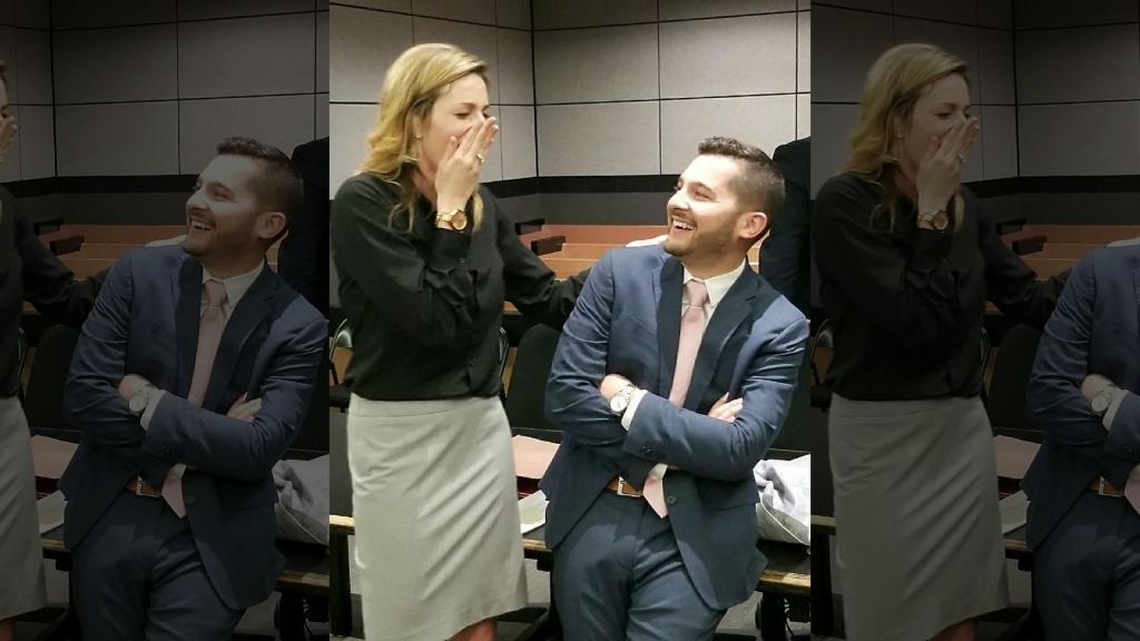 Адвокат подстроил судебное заседание, чтобы сделать предложение своей коллеге