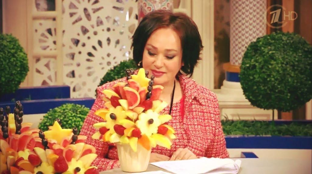 На программе «Давай поженимся» невеста довела Гузееву до слез, подарив ей букет из искусственных цветов