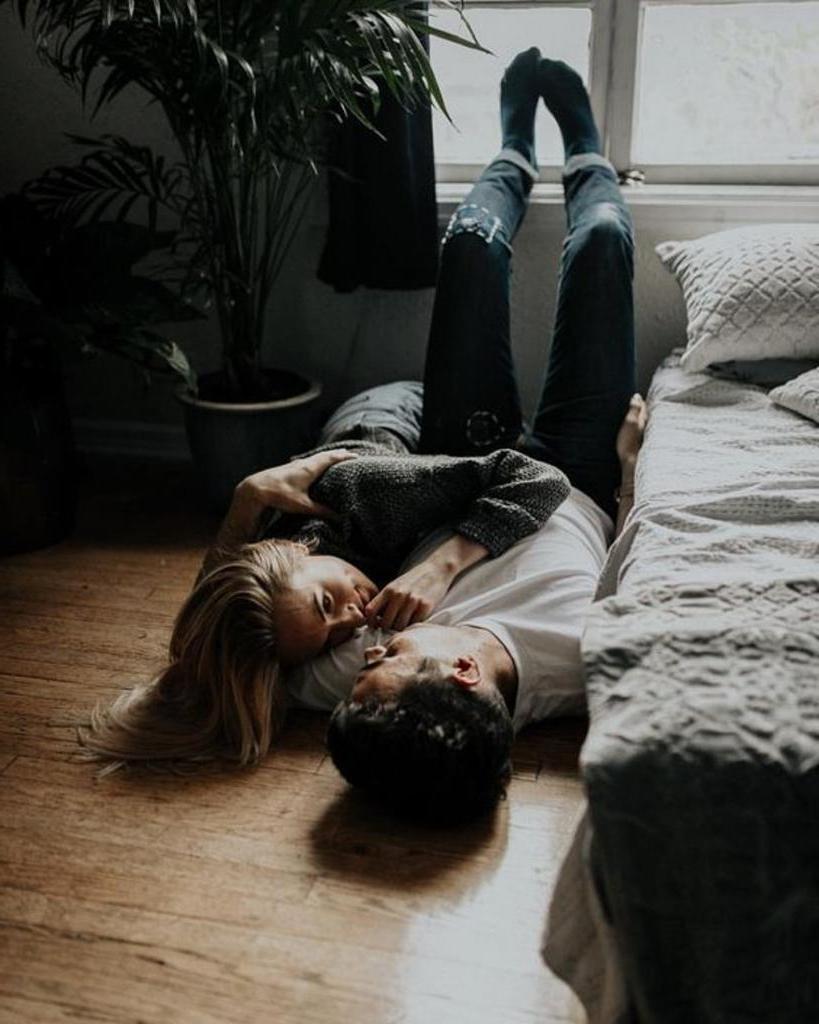 Они считают, что не отвечать на сообщения - нормально: сумасшедшие ожидания мужчин, которые вступают в отношения