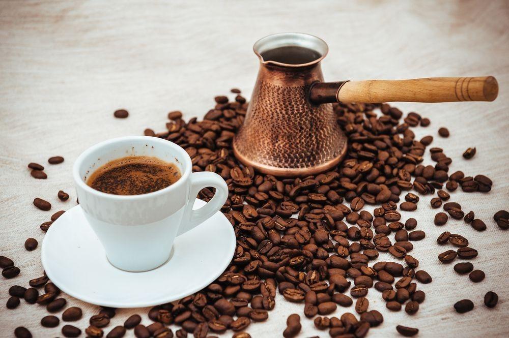 Гадание на кофейной гуще поможет принять жизненные решения: как правильно расшифровать полученные символы