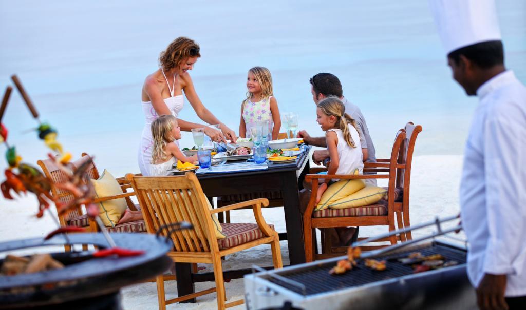 От пляжных курортов с огромными бассейнами до отелей кондо стиля: Большой остров предлагает множество вариантов размещения для отдыха