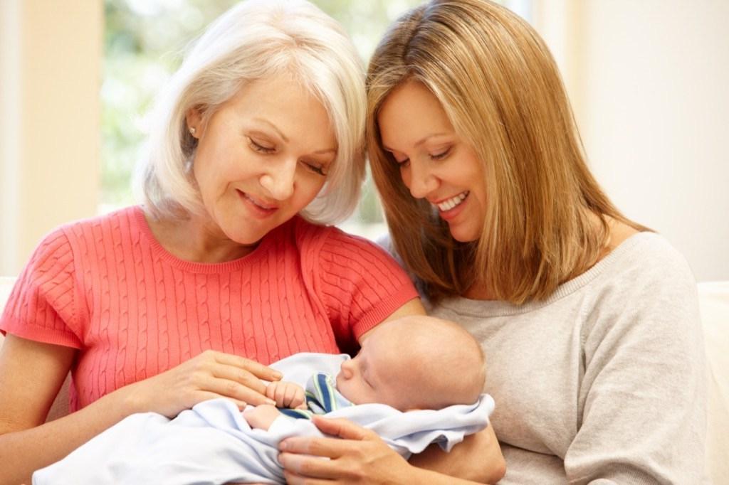 Мама поссорилась с дочкой из за того, что та отказалась называть внучку ее именем