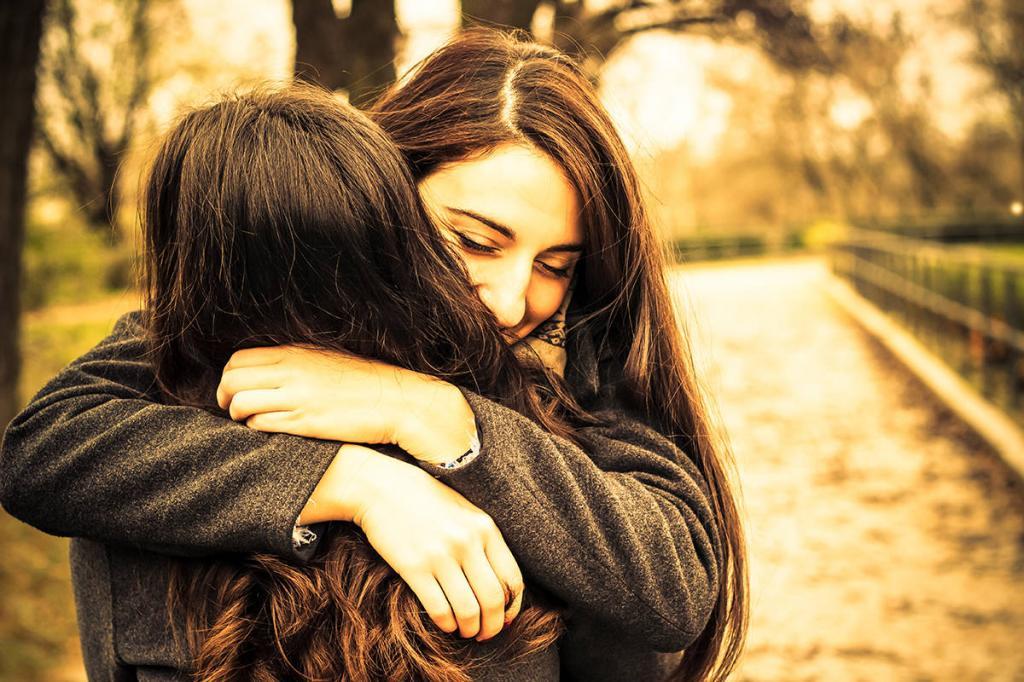 Картинки подругу обнимаю не плачь, рождения