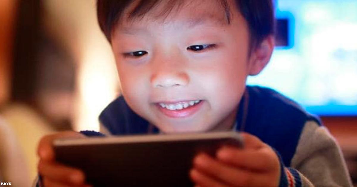Жизнь 2 летнего ребенка оказалась ″разрушена″ из за мобильного телефона