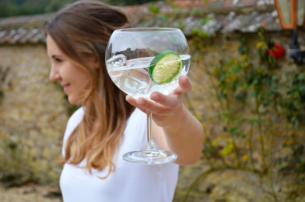 Джин-тоник и показатель IQ: ученые выяснили, как с помощью культового напитка определить, насколько вы умны
