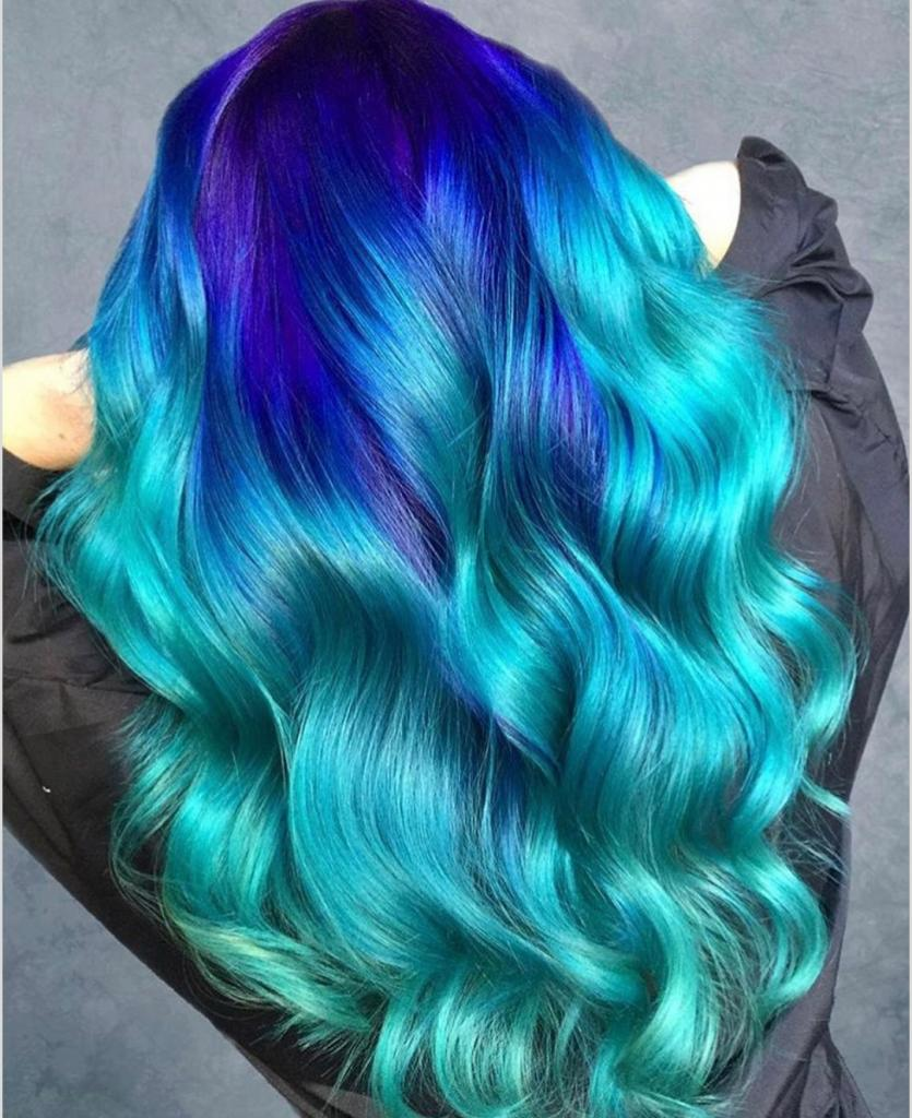 Когда хочется серьезных перемен во внешности: креативное окрашивание волос в эстремально яркие оттенки