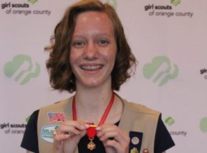 14 летняя девушка бросилась спасать тонувшего мальчика, хотя сама плохо плавала