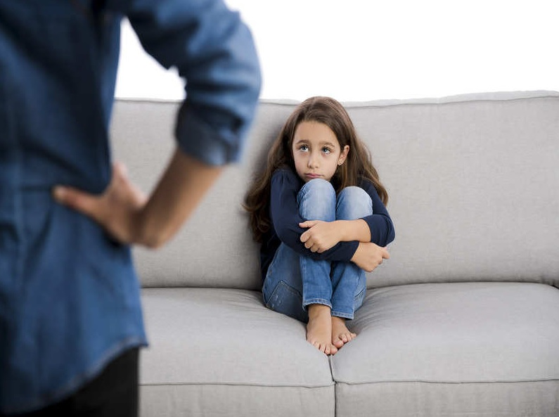 Ученые обнаружили, что дети эмоционально холодных родителей могут стареть раньше сверстников