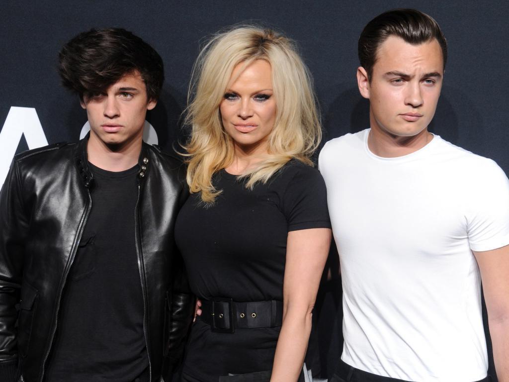 Oni Byli Krasivoj Paroj 51 Letnyaya Pamela Anderson I 33 Letnij