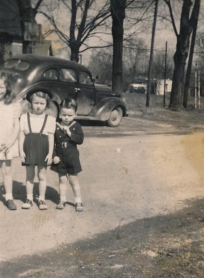 Мать 6 детей не могла свести концы с концами после того, как ее бросил муж. Но все изменилось, когда она обнаружила на заднем сиденье своей машины подарок