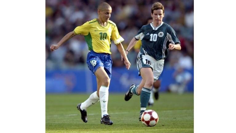 В Бразилии девушкам запрещено играть в футбол, но эта особа нарушила все правила и стала чемпионкой