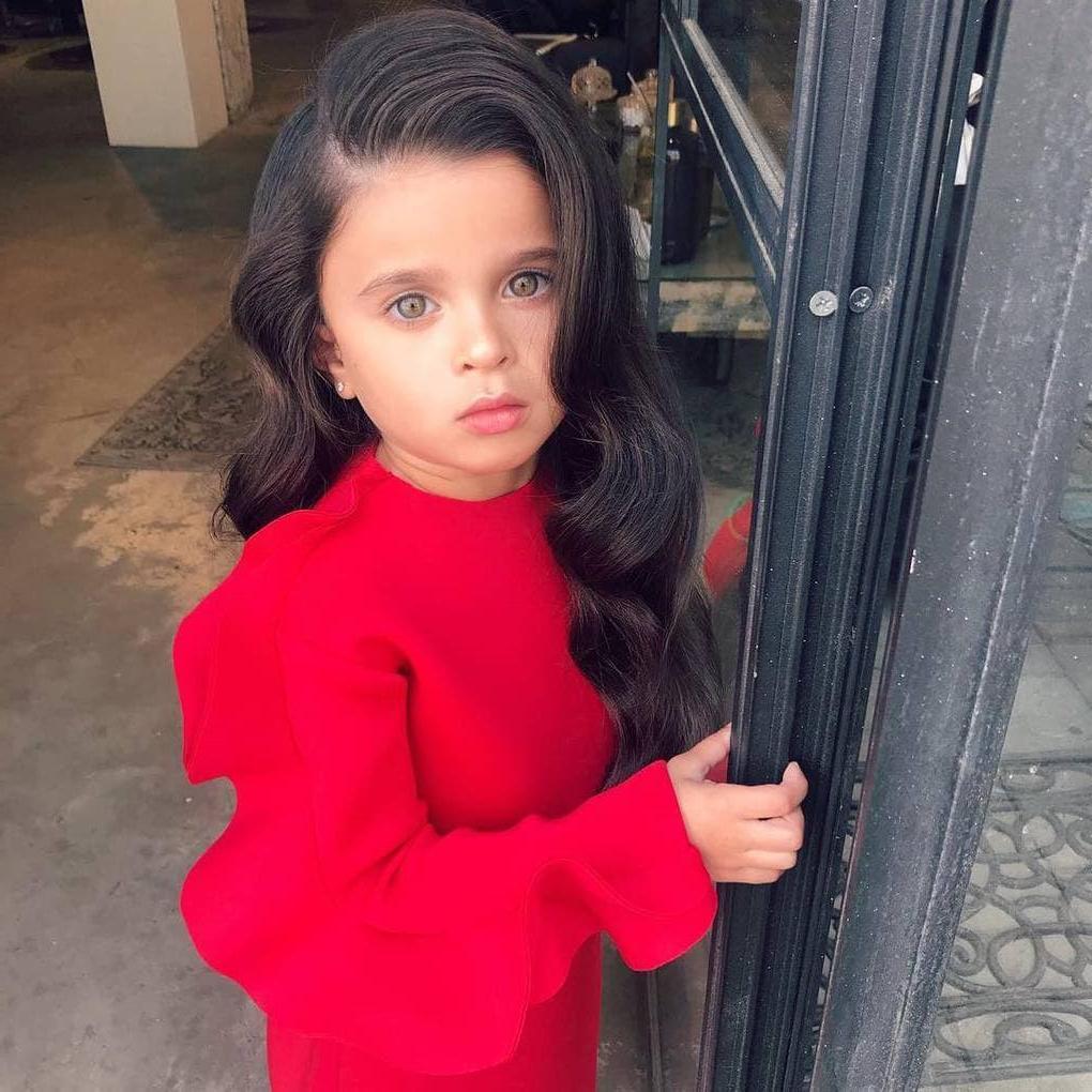 Девочка из Израиля стала знаменитой благодаря своим волосам, ведь им позавидует даже Рапунцель