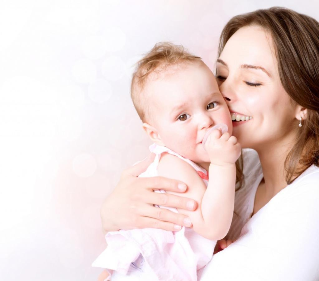 Звуки, плач, движения: как понять, чего хочет ваш грудной малыш