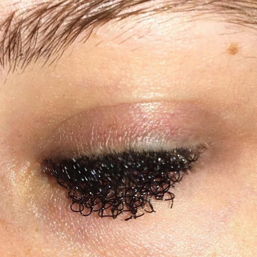 Как насчет кудрявых ресниц? Софи Петерсон   визажист, которая открывает новые границы макияжа