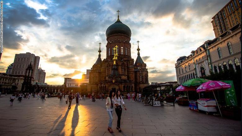 Этнический русский из Хэйлунцзян Петр Петров задается вопросом, что значит быть китайцем