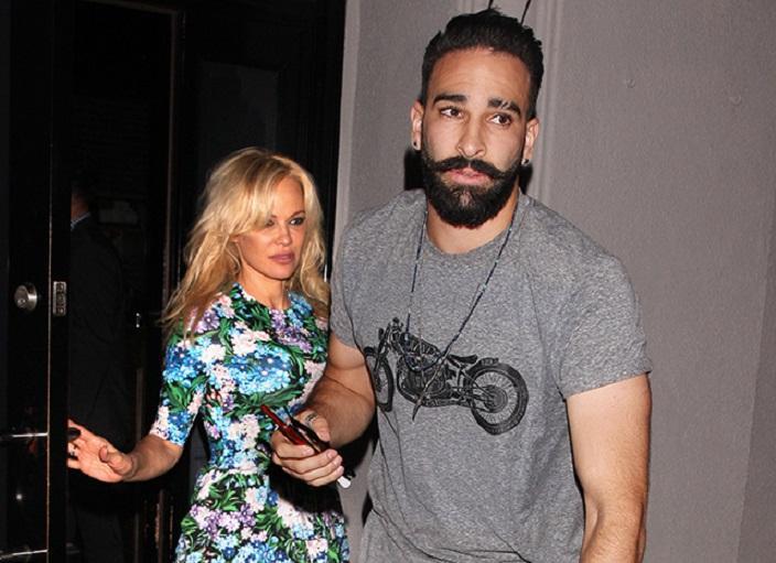 Они были красивой парой... 51-летняя Памела Андерсон и 33-летний футболист Адиль Рами больше не вместе