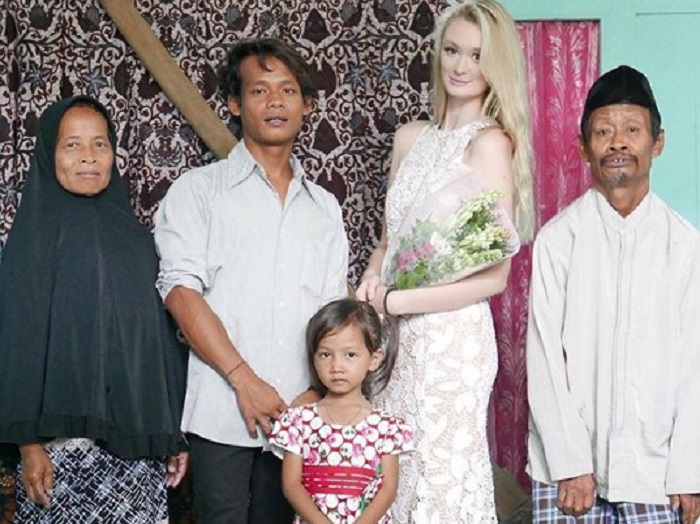 Фотографии свадьбы смешанной пары привлекли внимание пользователей Сети