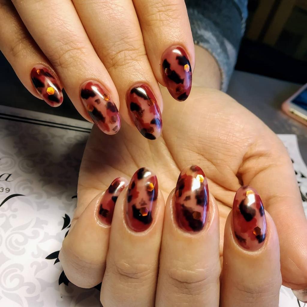 Новый тренд в нейл-арте - ацетатные ногти: идеи и мастер-класс (видео)