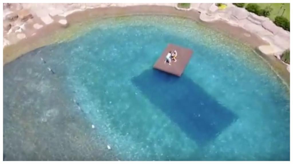 Мужчина мечтал построить бассейн для своей семьи. Работа заняла у него 20 лет и результат его трудов действительно впечатляет