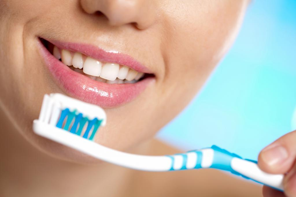 Чистка зубов и другие секреты, которые помогут отучить себя от вредных перекусов