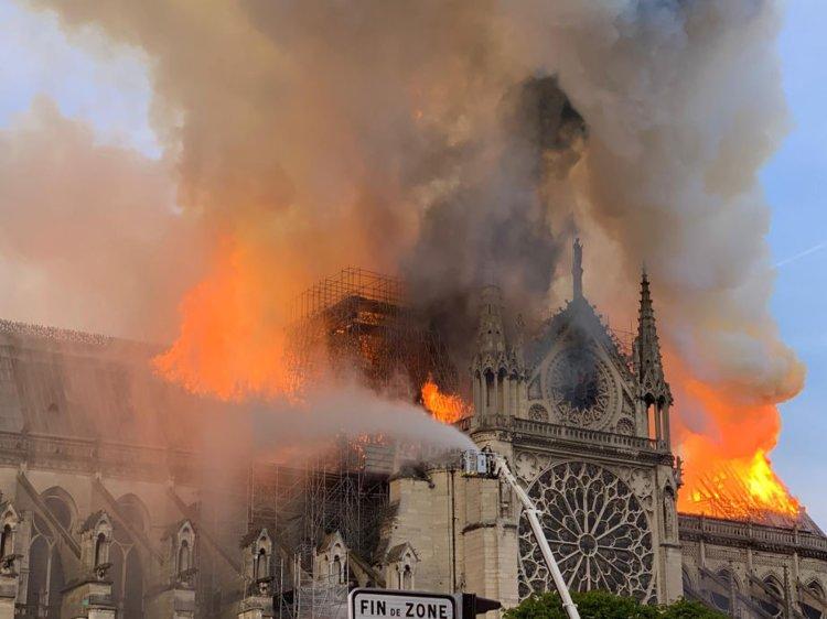Собор Парижской Богоматери готовится к первой службе после апрельского пожара