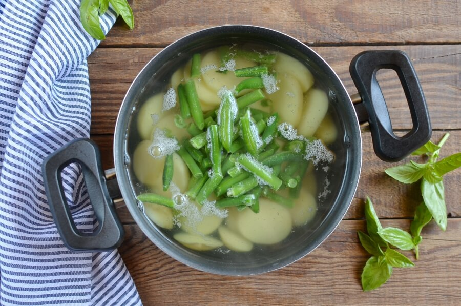 Базилик, горошек, картофель... Рецепт салата, который я готовлю за 30 минут